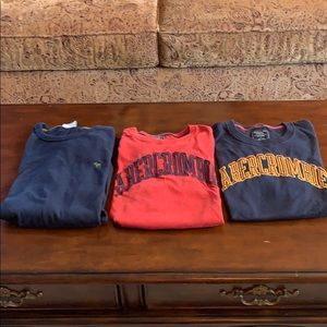 Abercrombie & Fitch Bundle 3 shirts red & 2 navy